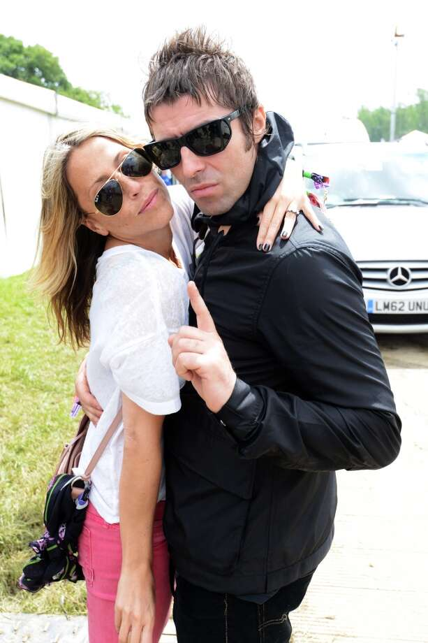 GLASTONBURY, ENGLAND - JUNE 28:  (UK TABLOID NEWSPAPERS OUT) Liam Gallagher and Nicole Appleton pose backstage at day 2 of the 2013 Glastonbury Festival at Worthy Farm on June 28, 2013 in Glastonbury, England.  (Photo by Dave Hogan/Getty Images)