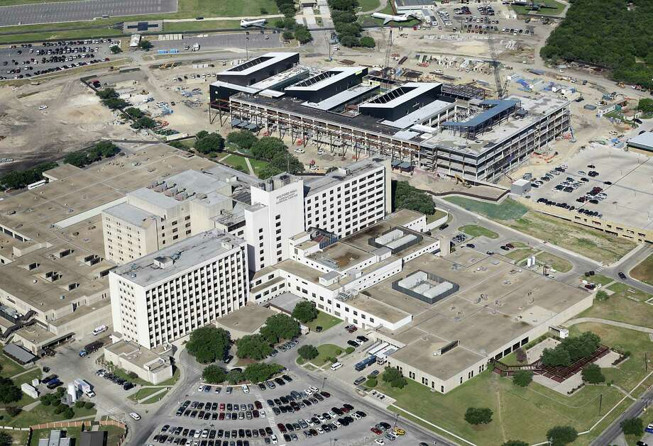 An aerial view of onging construction at Wilford Hall with the new Wildord Hall Ambulatory Surgical Center, on Monday. Phase 1 of the project is over 95 percent complete. Photo: Bob Owen, San Antonio Express-News / © 2012 San Antonio Express-News