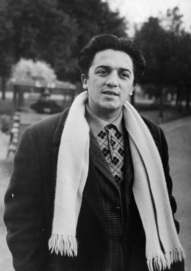 27th March 1948:  Federico Fellini (1920 - 1993), Italian screenwriter and one of the world's most respected film directors of all time. His films combined dream and fantasy sequences with satire and autobiographical detail. He won Academy Awards for 'La Strada' 1954, 'Nights of Cabiria' 1956, '8 1/2' 1963 and 'Amarcord' 1974. He was awarded a Special Academy Award for his life's work in 1993. Original Publication: Picture Post - 4529 - Makers Of The World's Best Films - pub. 1948  (Photo by Kurt Hutton/Picture Post/Getty Images)