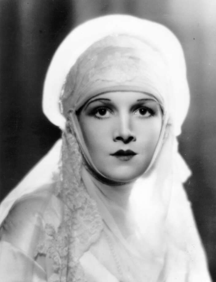 circa 1932:  Hollywood film actress Ann Harding (1901 - 1981), a former star of the stage on Broadway.  One of the greatest actresses of the classic era, though few know her.  (Photo by General Photographic Agency/Getty Images)