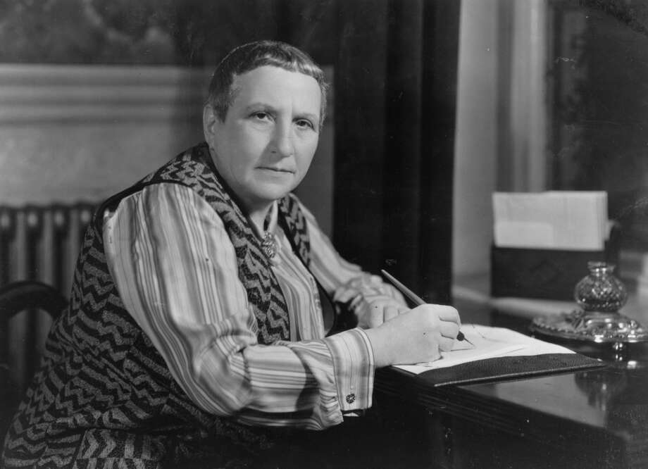American writer and patron of arts Gertrude Stein (1874-1946).   (Photo by Hulton Archive/Getty Images)