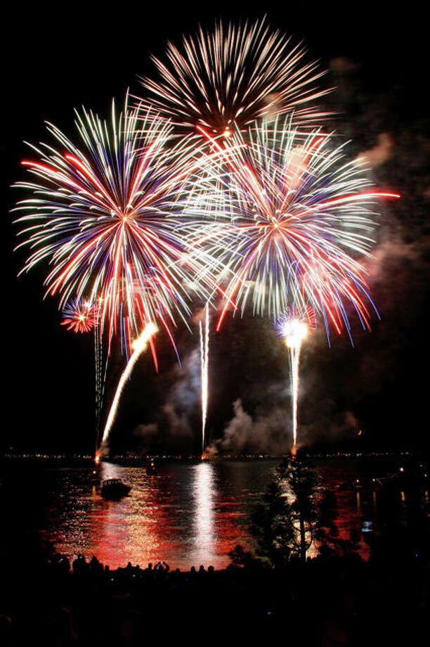 With the Sierra Nevada and lake as a backdrop, Tahoe South's 'Lights on the Lake'  offers a spectacular 25-minute Fourth of July fireworks display starting at 9:45 p.m.