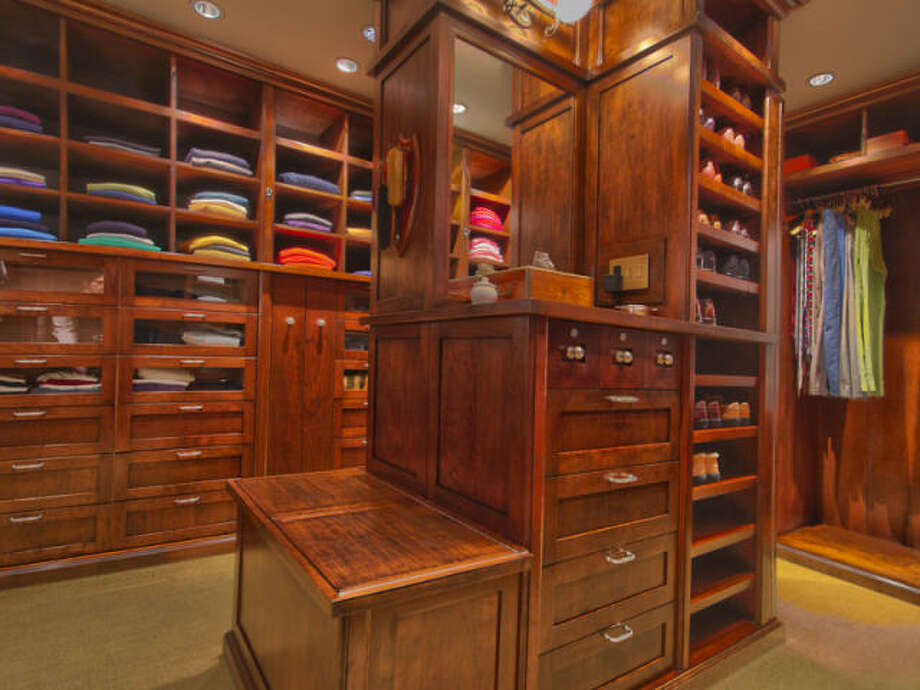 Walk in closet. Photos via Trulia/MLS/Sotheby's