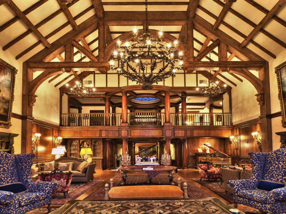 Alpine royalty. Photos via Trulia/MLS/Sotheby's