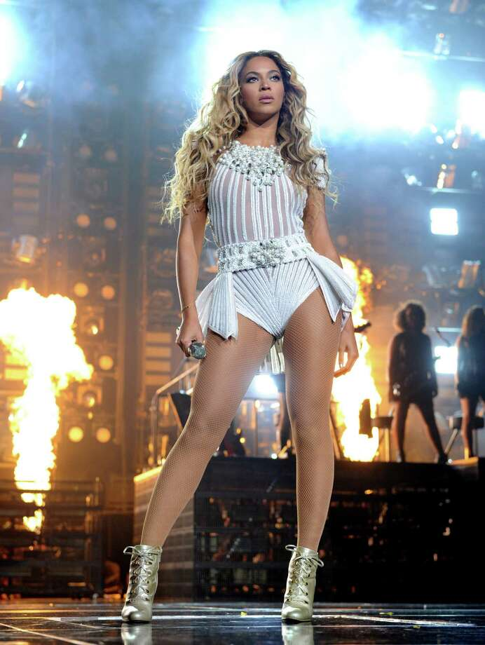 "Best Video With a Social MessageKelly Clarkson, ""People Like Us""