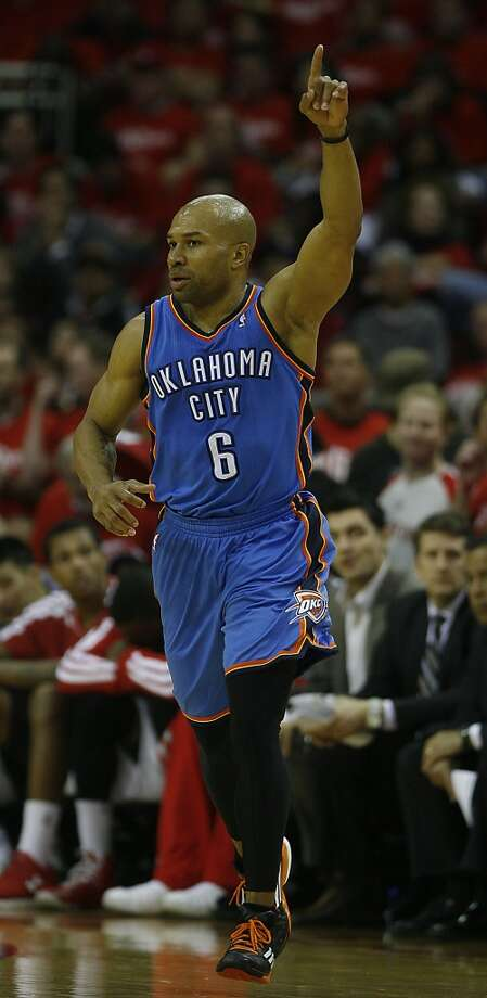 Derek Fisher  Re-signed with Oklahoma City Thunder Photo: James Nielsen, Chronicle