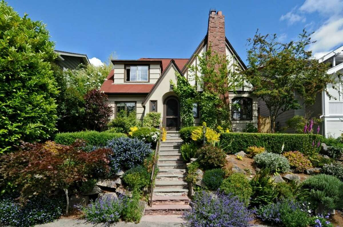 Queen Anne has many charming homes built in the 1920s. Here are three listed for $775,000 to $799,000, plus one contemporary home to provide some contrast. We start with 2426 10th Ave. W. The 2,640-square-foot house, built in 1928, has four bedrooms, 2.5 bathrooms, a family room, leaded glass, wood and tile floors, a deck and a patio on a 4,000-square-foot lot. It's listed for $775,000.