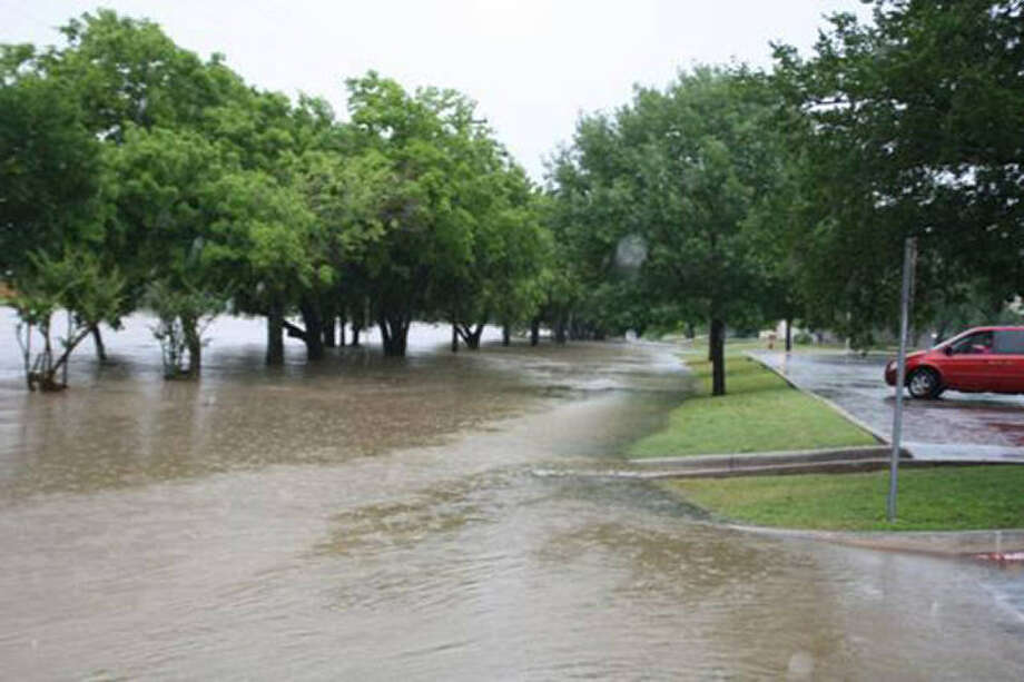 The Leon Valley intersection of Evers and Poss Roads next to Raymond Rimkus Park on May 25. The city's flood warning system didn't work that day. Photo: City Of Leon Valley