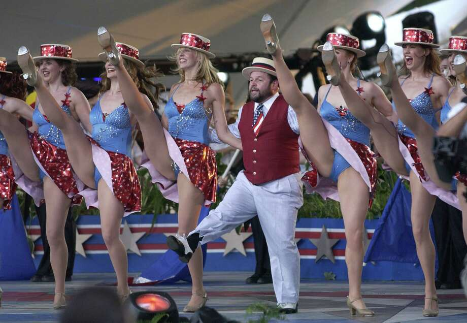 2006 -- Actor Jason Alexander wishes he had stretched. Photo: Stephen J. Boitano, Getty Images / 2006 Getty Images