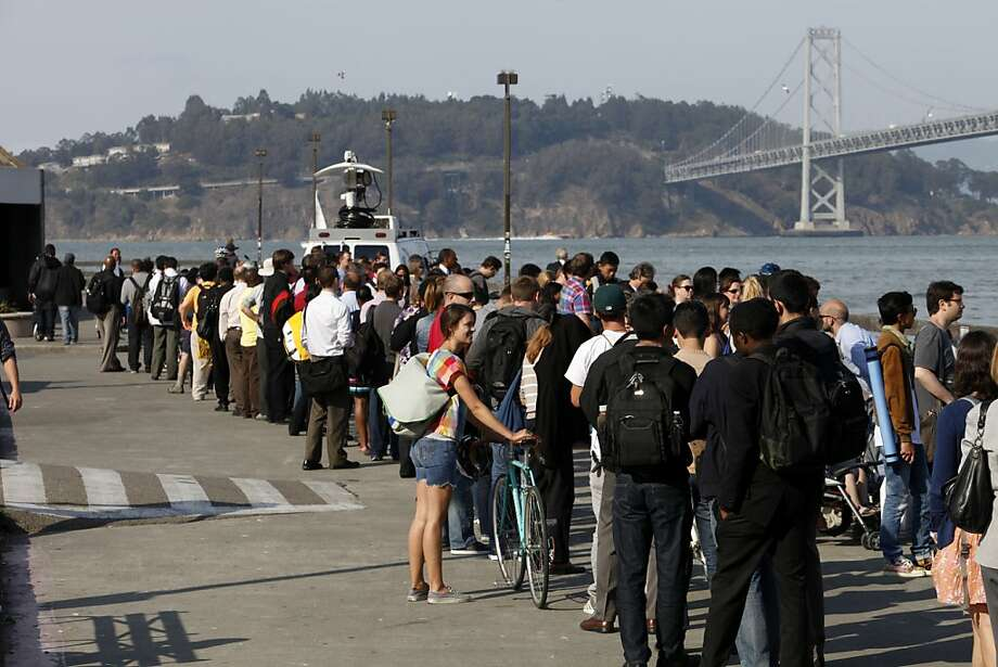 Long lines form at the Ferry building in San Francisco on July, 2, 2013 as people are forced to take ferries across the bay due to the BART strike. Photo: Katie Meek, The Chronicle