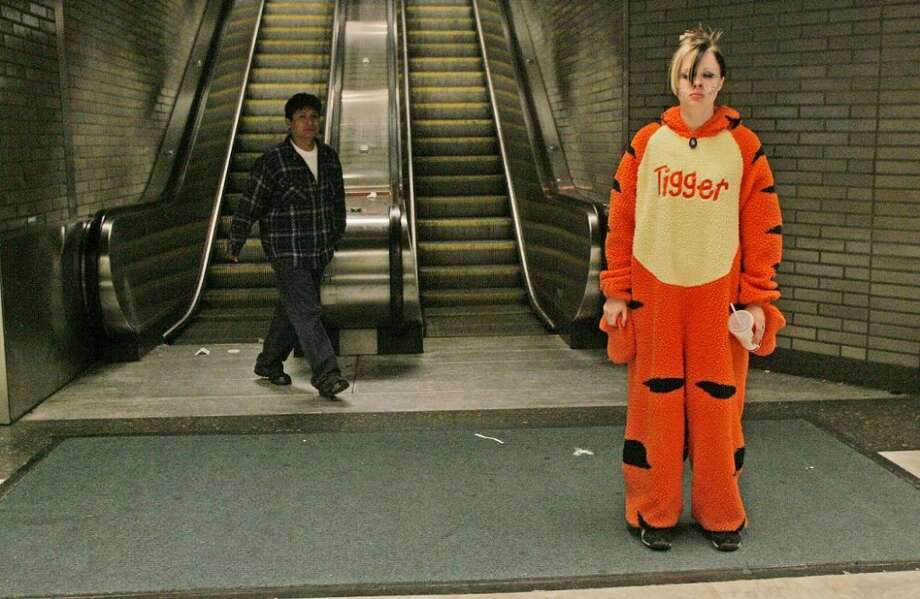 This has nothing to do with BART costuming, but the look on the face of this Tigger from Halloween 2004 accurately summed up my feelings about the current labor strife. So over BART right now ...