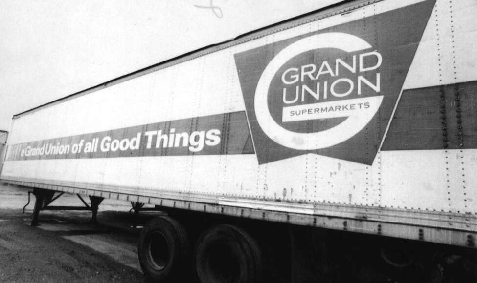 WATERFORD, N.Y.--An old Grand Union trailer with a previous logo. 1/15/1993. -2- McBride.