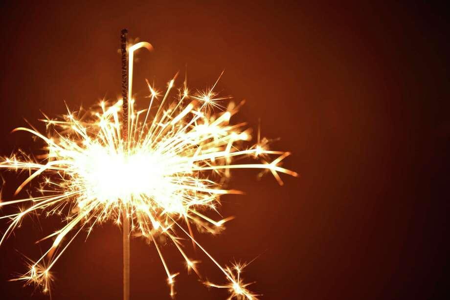 A sparkler. Photo: Fotolia, Www.pixel-nest.de