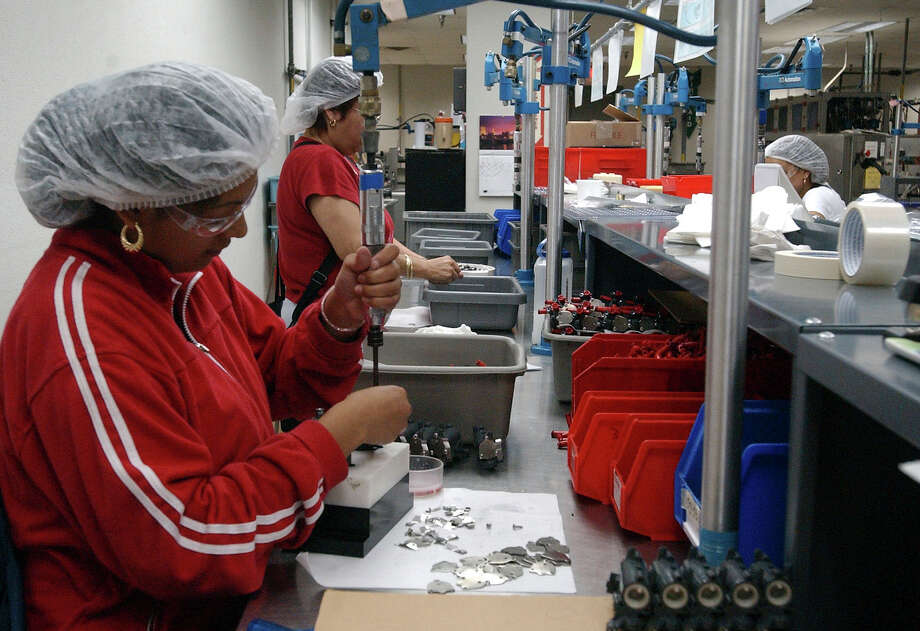 Lancer, headquartered in San Antonio, manufactures a complete range of mechanically cooled and ice cooled soft drink dispensers, dispensing valves, carbonators, beer dispensing equipment and an extensive line of beverage dispensing parts and accessories. Photo: ROBERT MCLEROY, SAN ANTONIO EXPRESS-NEWS / 2005 SAN ANTONIO EXPRESS-NEWS