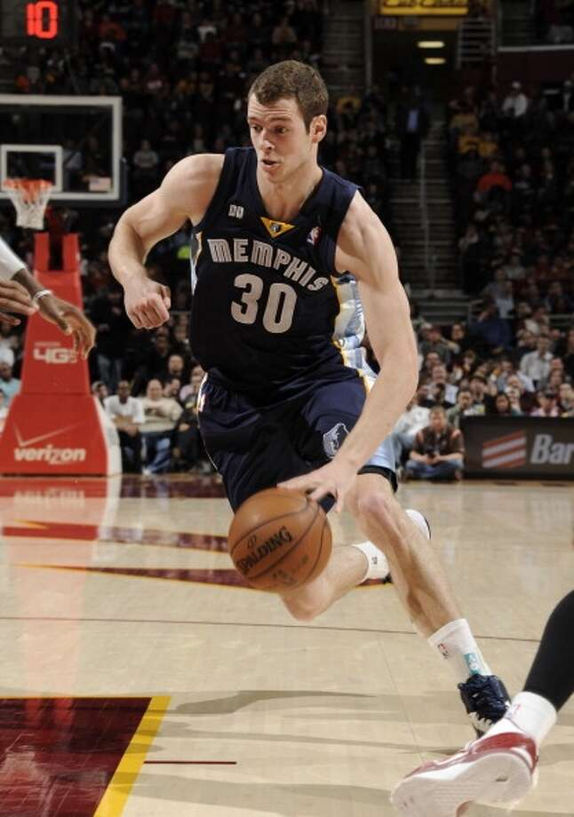 Jon Leuer  Re-signed with Memphis Grizzlies Photo: David Liam Kyle, NBAE Via Getty Images
