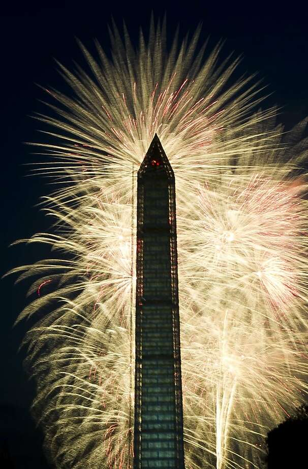 Fourth of July Independence Day fireworks are seen over the Washington Monument, July 4, 2013 in Washington, DC. Photo: Mladen Antonov, AFP/Getty Images