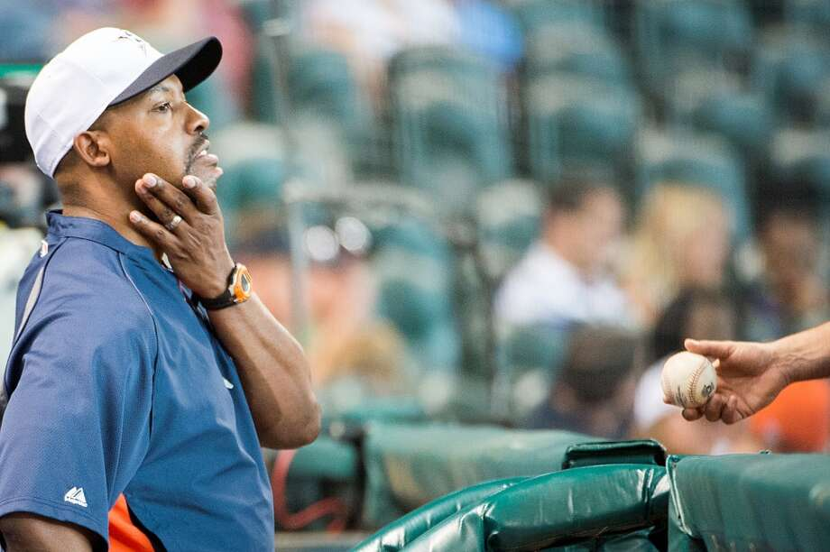 Astros manager Bo Porter looks out over the field after relief pitcher Jose Veras  was injured during the tenth inning.