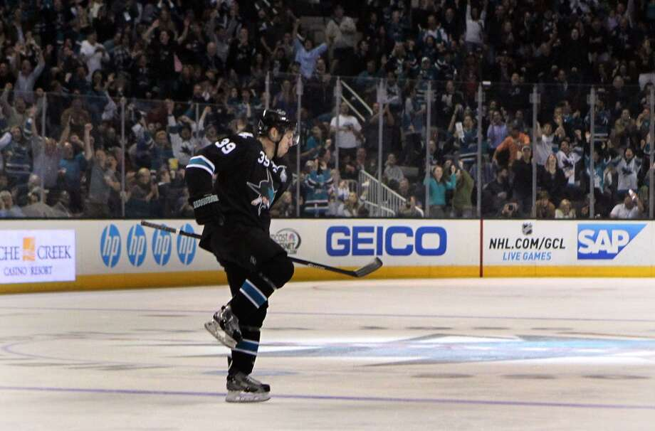 The San Jose Sharks took a huge step toward solidifying the future Friday, signing 24-year-old forward Logan Couture to a five-year contract extension that cements his position in the center of the team's plans.