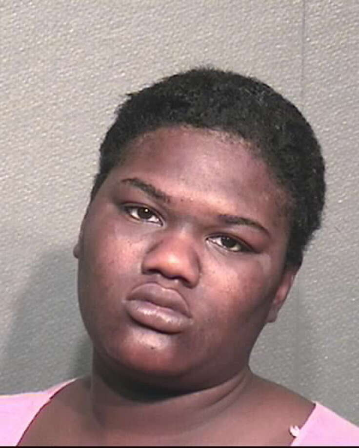 Selina Monshea Lee, 23, was jailed after allegedly leaving her 2-year-old daughter in the middle of a road. Photo: Houston Police Department