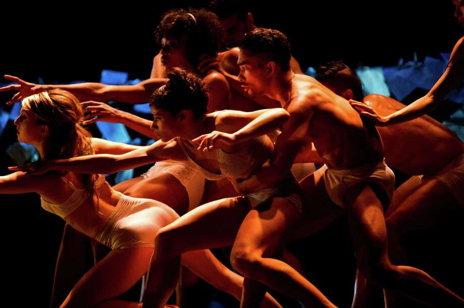 Cedar Lake Contemporary Ballet; photo Paula Lobo, courtesy of Jacob's Pillow Dance / Paula Lobo