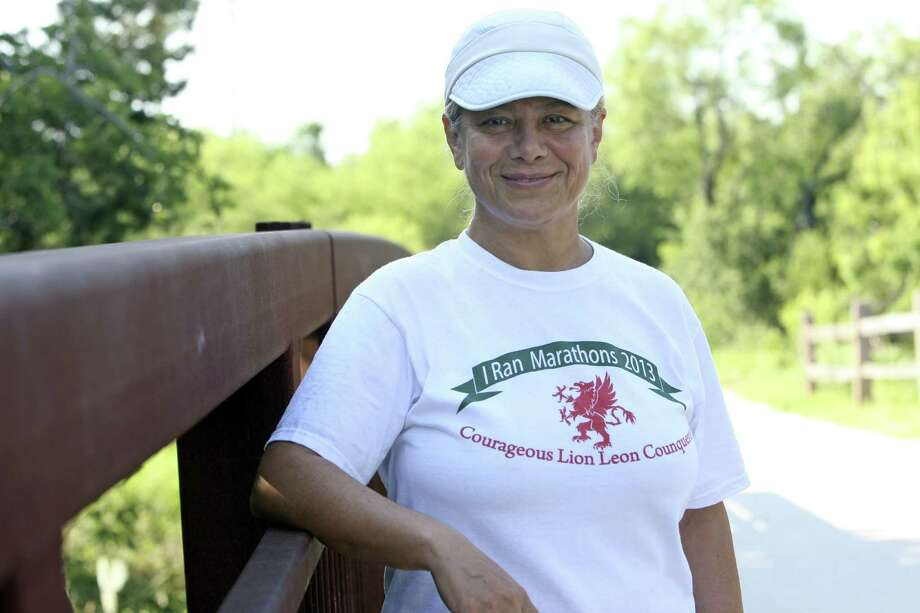 Parvaneh Moayedi, a local race director and ultrarunner, is training for the Badwater 135 ultra race in Death Valley on July 15. Photo: Helen L. Montoya / San Antonio Express-News