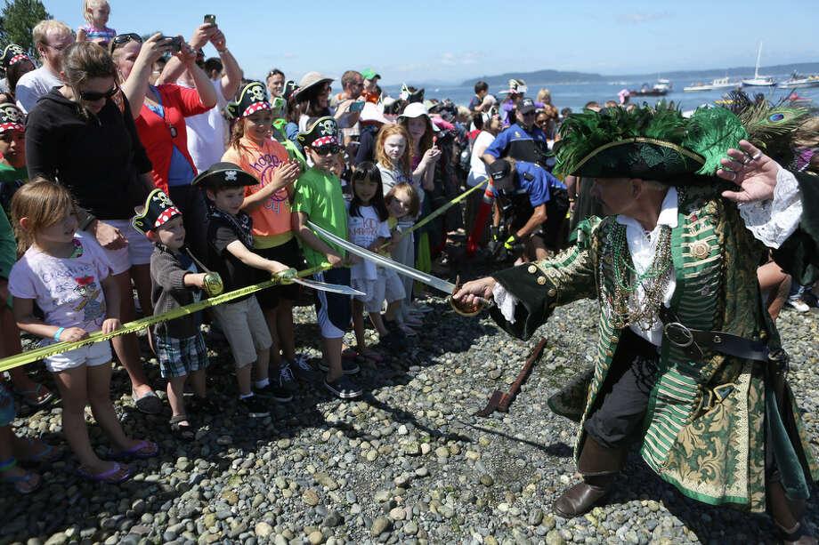 Davey Jones, aka Jay Albrecht, challenges young pirates. Photo: JOSHUA TRUJILLO, SEATTLEPI.COM
