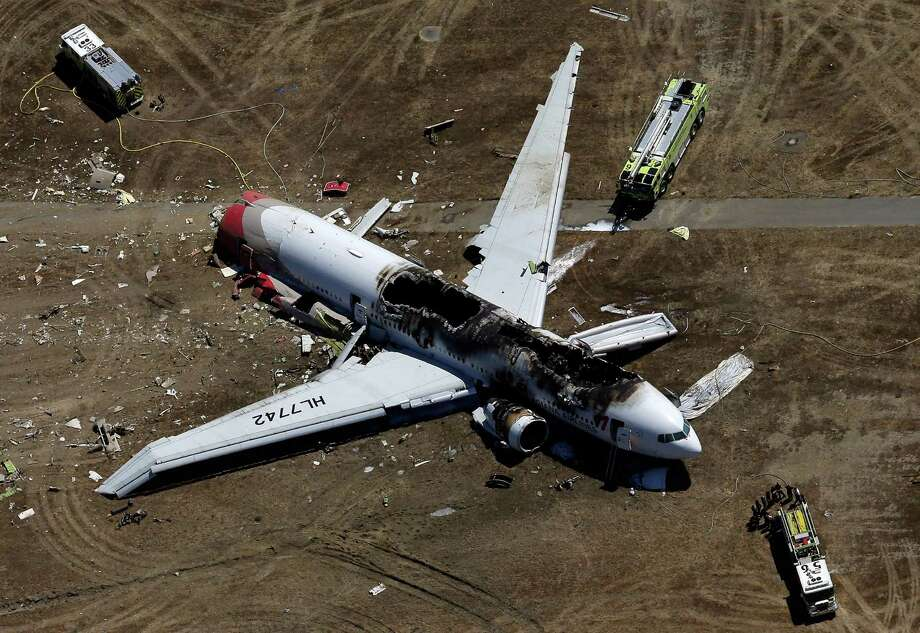 The fact that just two of the 307 people aboard Asiana Airlines Flight 214 died when the Boeing 777 crashed in San Francisco Saturday is a reminder that serious airplane accidents don't always come with high death counts.Click on for more crashes that destroyed airplanes but killed few people, or none. Photo: Ezra Shaw, Getty Images / 2013 Getty Images