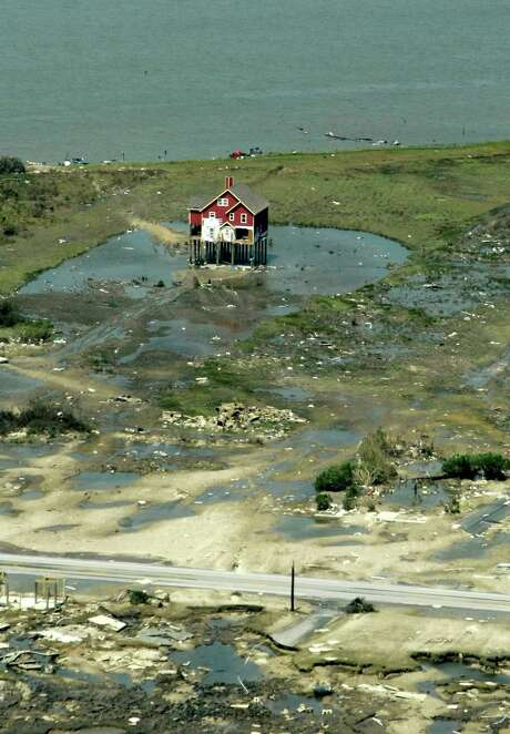 Although Hurricane Ike devastated Crystal Beach in 2008, the area is now seeing residential growth and a significant rise in property values. Photo: Karen Warren, Staff / Houston Chronicle