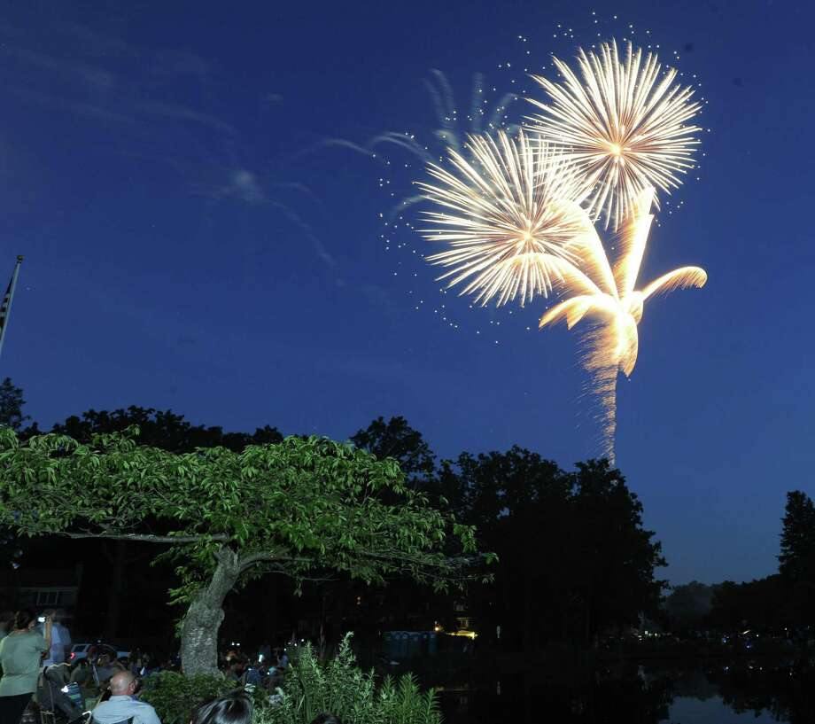 The Town of Greenwich fireworks display at Binney Park in Old Greenwich, Saturday evening, July 6, 2013. Photo: Bob Luckey / Greenwich Time