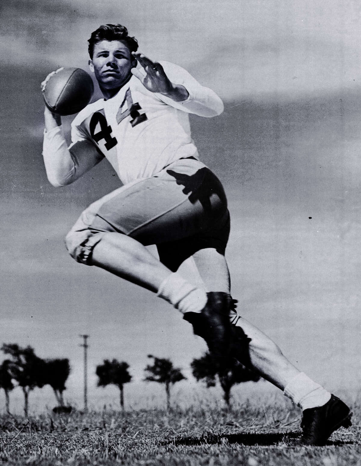 Kyle RoteHigh school: JeffersonPosition: HalfbackCollege: SMUA-A year: 1950HOF induction: 1964Rundown: After earning All-State honors at Jefferson in football and basketball, he was a star at baseball, football and track and finished runner-up for the 1950 Heisman Trophy and was the first overall pick in the 1951 NFL draft. He was selected to four Pro Bowls during an 11-season career with the New York Giants.