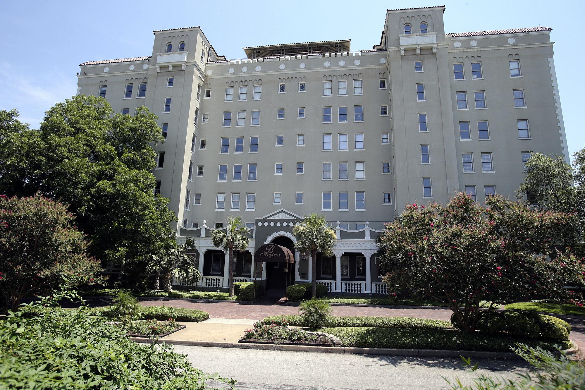 Cityscape The Bushnell San Antonio Express News