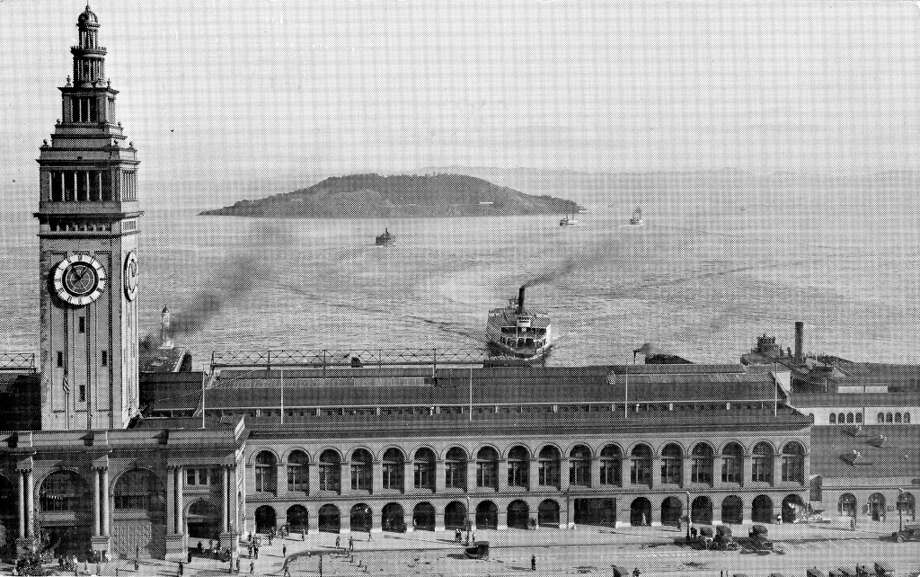 By 1930 there were 43 ferry boats plying the bay in the largest operation of its kind in the world. Although the bridges marked the end of the big ferries there was limited ferry service to Marin County in 1971, ironically to take some of the commute load off the Golden Gate Bridge. January 17, 1975.