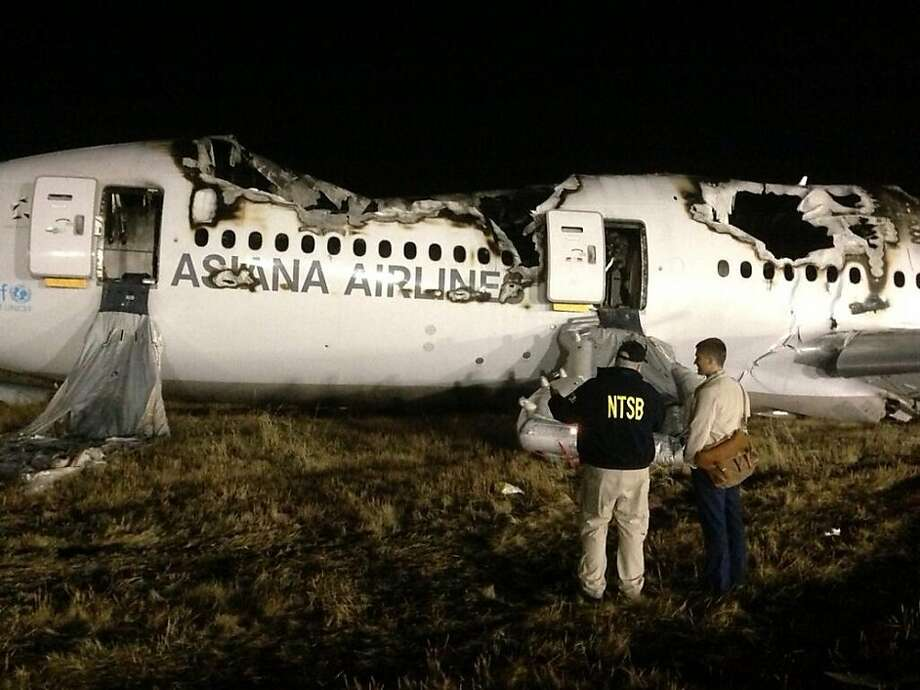 NTSB investigators conduct first site assessment of Asiana 214 at SFO in San Francisco, California. Photo: NTSB Via Twitter