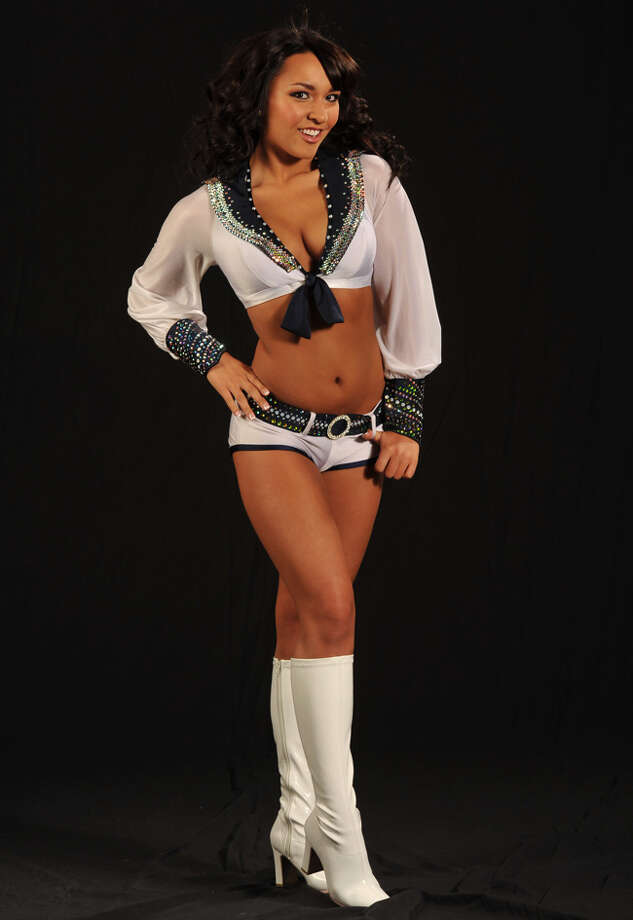 Michelle  • Years as a Sea Gal: rookie • Occupation: student • High school: Rex Putnam High (Milwaukee, Ore.) • College: University of Oregon • Area of study: human psychology  See Michelle's profile on SeaGals.com for more info and photos.  Photo: Courtesy Photo, SeaGals.com