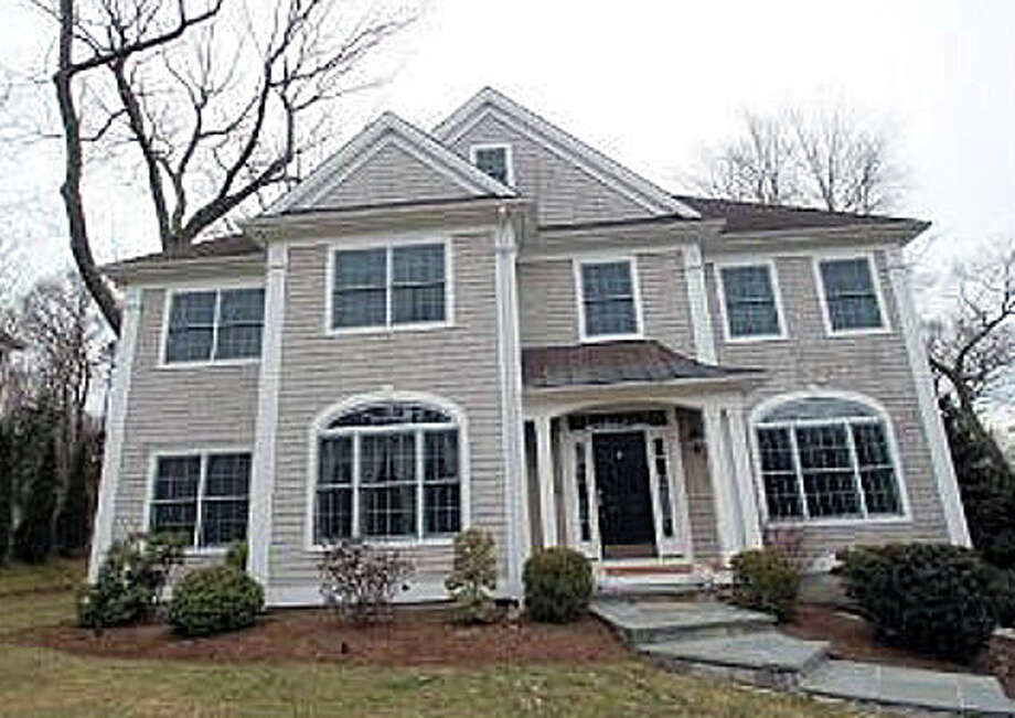 The house at 75 Sconset Drive recently was sold for $1,181,000, according to Town Clerk records. Photo: Contributed Photo / Fairfield Citizen contributed
