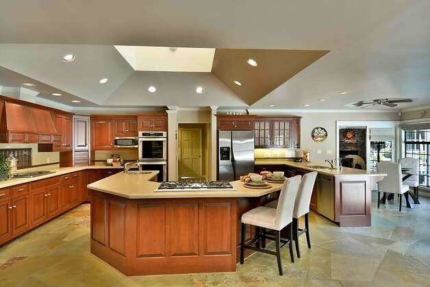 Danville hills home with wine cellar au pair unit sfgate for Center islands with seating