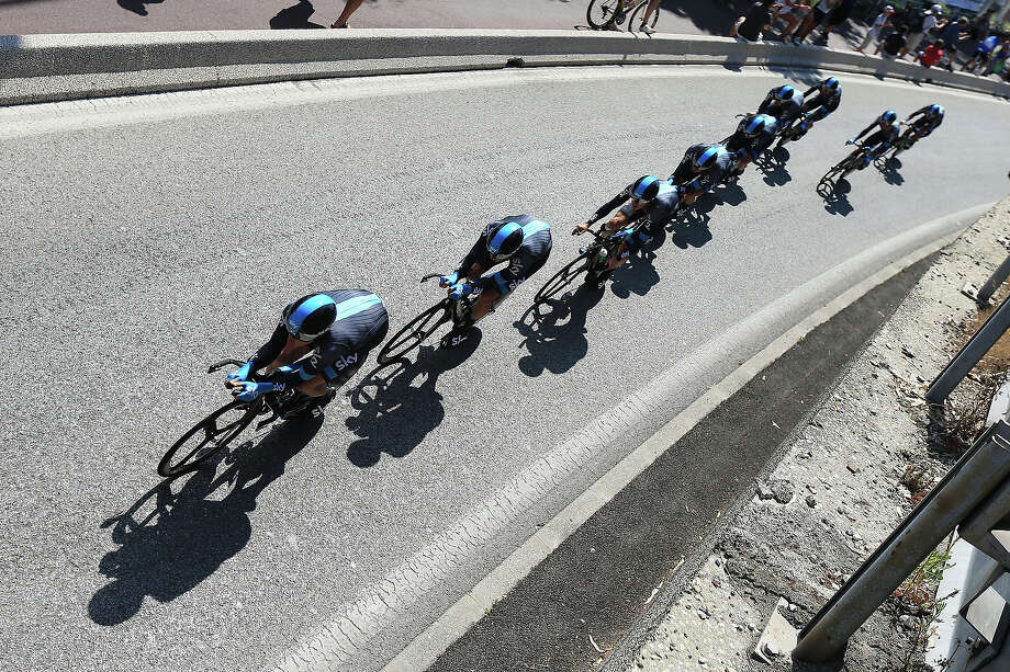 Team Sky Procycling in action during stage four of the 2013 Tour de France, a 25KM Team Time Trial on July 2, 2013 in Nice, France. Photo: Doug Pensinger, Getty Images / 2013 Getty Images