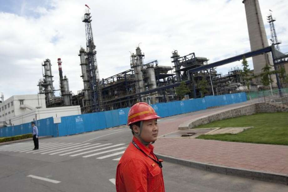 No. 4: Sinopec Group:Sinopec jumps from No. 5 in 2011 to No. 4 in 2012 with $428.2 billion in revenue.