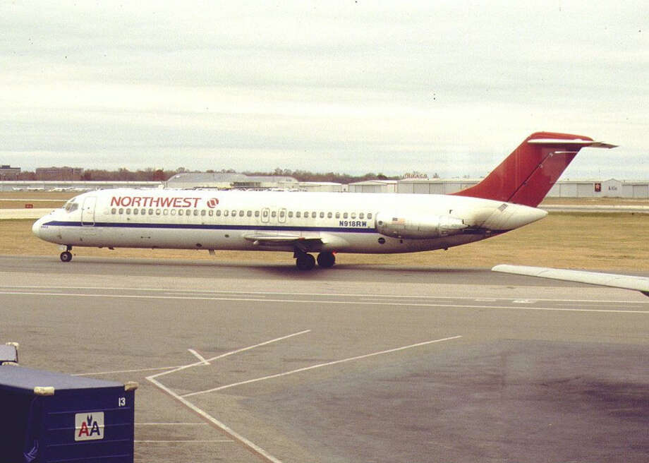 On Dec. 3, 1990, A Northwest Airlines DC-9 (like the one shown above) taxied onto the wrong runway in dense fog in Detroit. There, it collided with Northwest flight 299, a Boeing 727. Photo: Konstantin Von Wedelstaedt, Wikimedia Commons