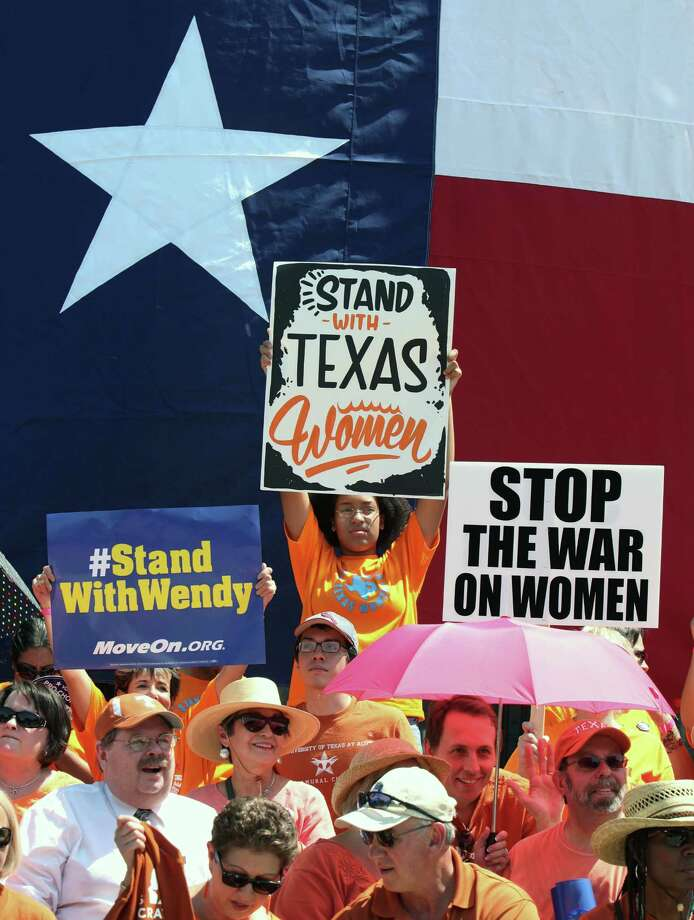 Pro-choice supporters in Austin. Photo: Erich Schlegel, Stringer / 2013 Getty Images