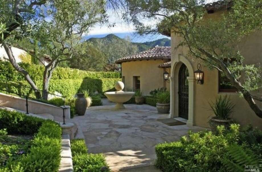 Pretty patio area Photos via Marilyn Rich/Pacific Union/Trulia/MLS