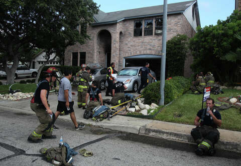 Fire ignites home on North Side - San Antonio Express-News