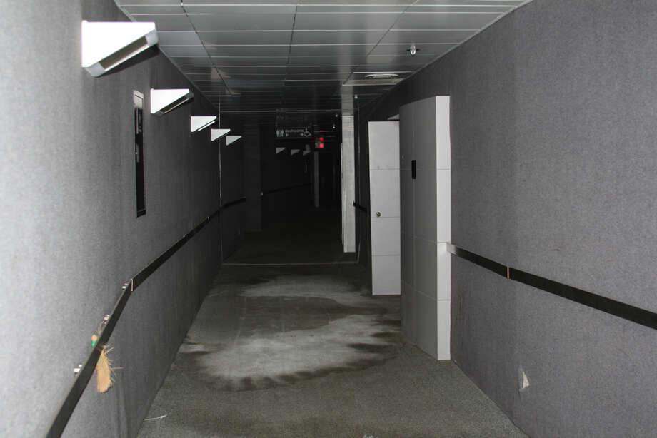 Star Columbia suites hallway.