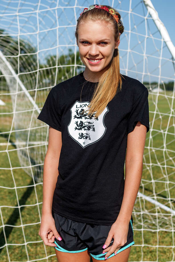 Lions FC '96's Kallie Wagner of Madison Photo: Marvin Pfeiffer, San Antonio Express-News / Express-News 2013
