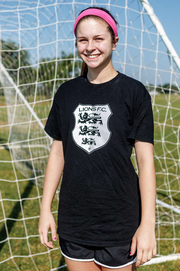 Lions FC '96's Kelcie McKinley of Randolph Photo: Marvin Pfeiffer, San Antonio Express-News / Express-News 2013