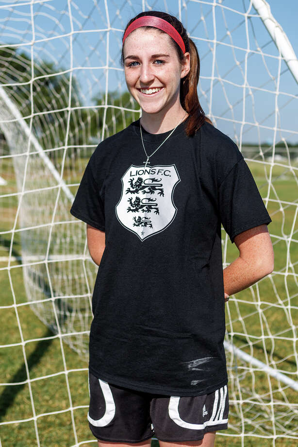Lions FC '96's Kelly Marshall of Churchill Photo: Marvin Pfeiffer, San Antonio Express-News / Express-News 2013