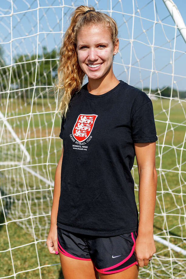 Lions FC '96's Brooke Shoffstall of Churchill Photo: MARVIN PFEIFFER, Marvin Pfeiffer/ Express-News / Express-News 2013