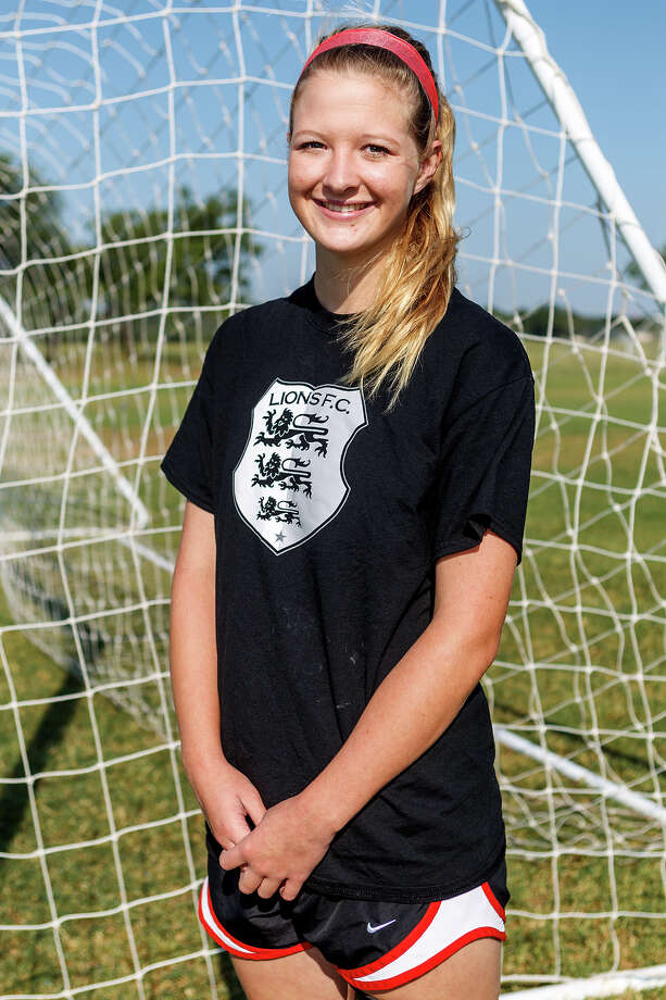 Lions FC '96's Danielle Struxness of Judson Photo: Marvin Pfeiffer, San Antonio Express-News / Express-News 2013