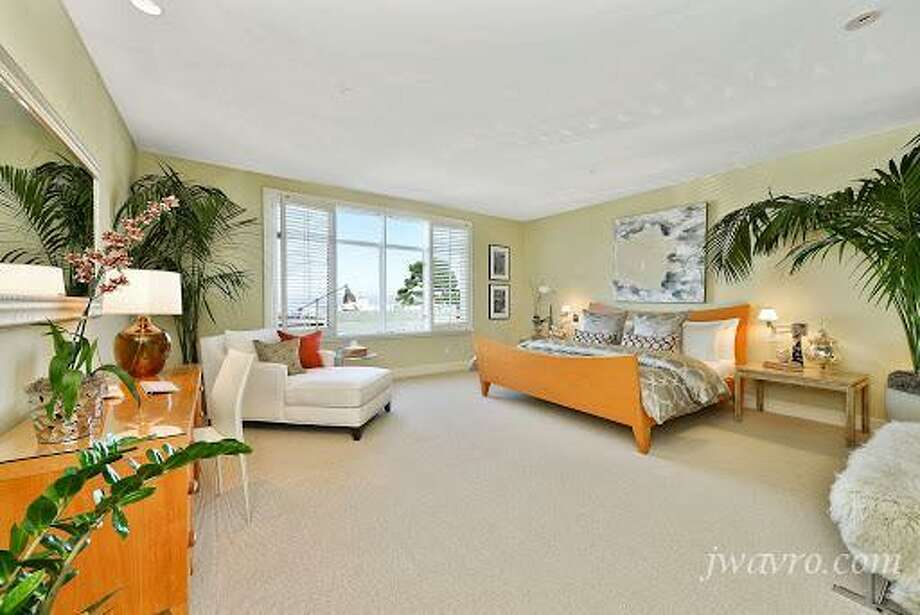 Lots of sailing white in the bedroom. Photos via J Wavro/Trulia.