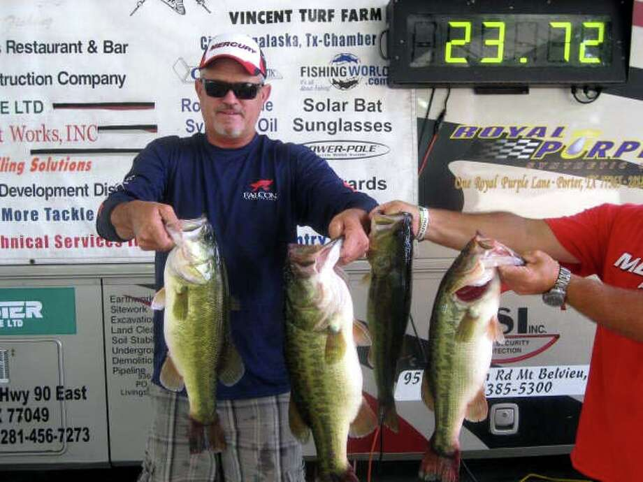 Brian Branum caught many keepers which included a 7.10 lb Big Bass to finish in 1st place with 23.72 lbs.